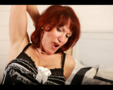 Redhead milf with wild minds live sex